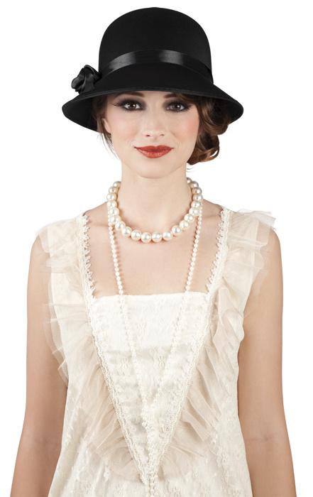 Černý dámský klobouček Charleston Lady. 1 b1a6fcbdda